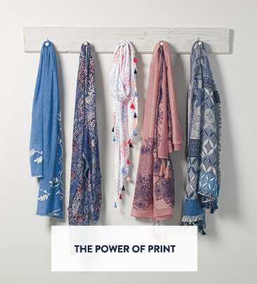 UK - A/B - slot 2 - scarves