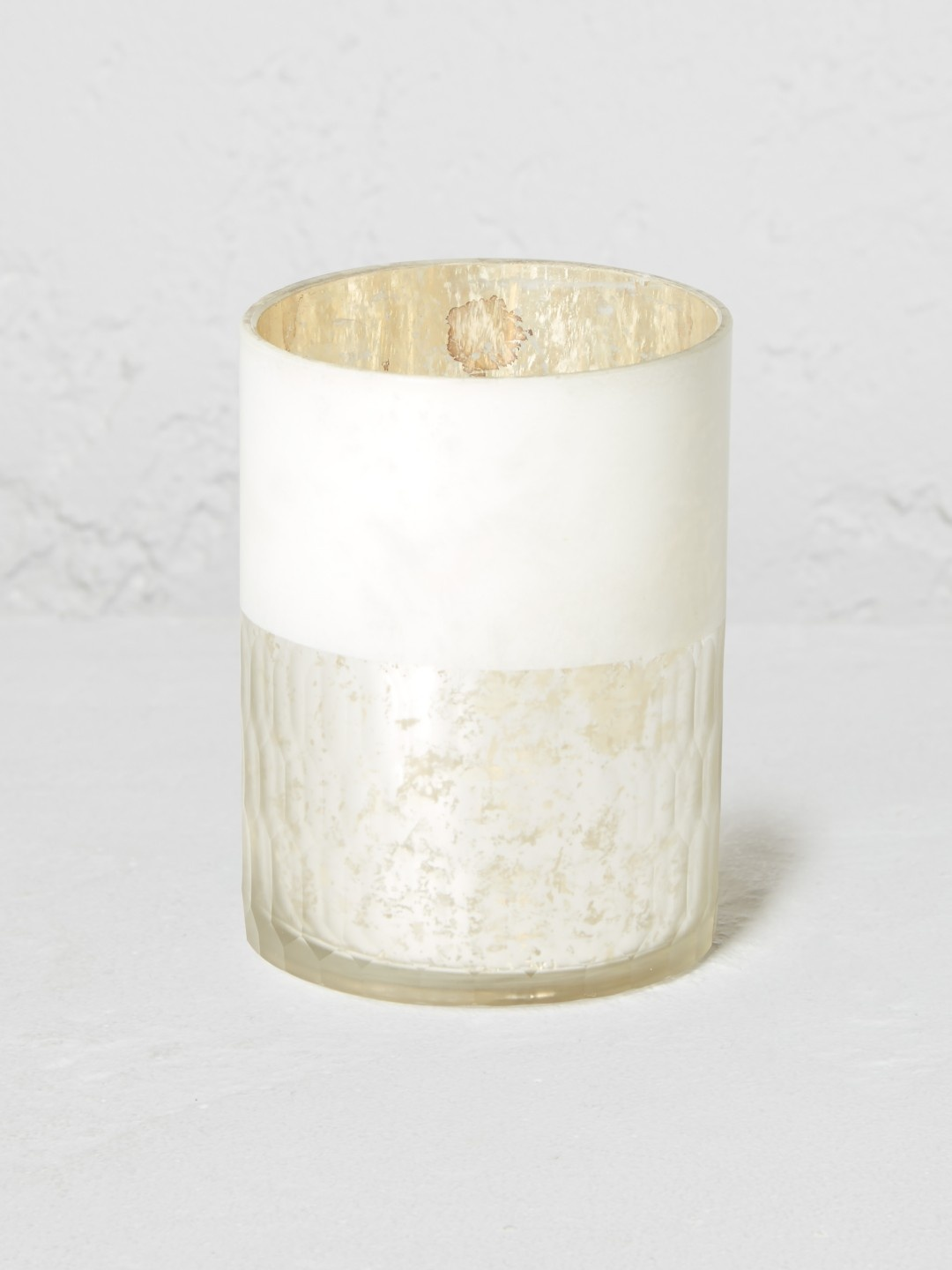 White/silver tealight holder