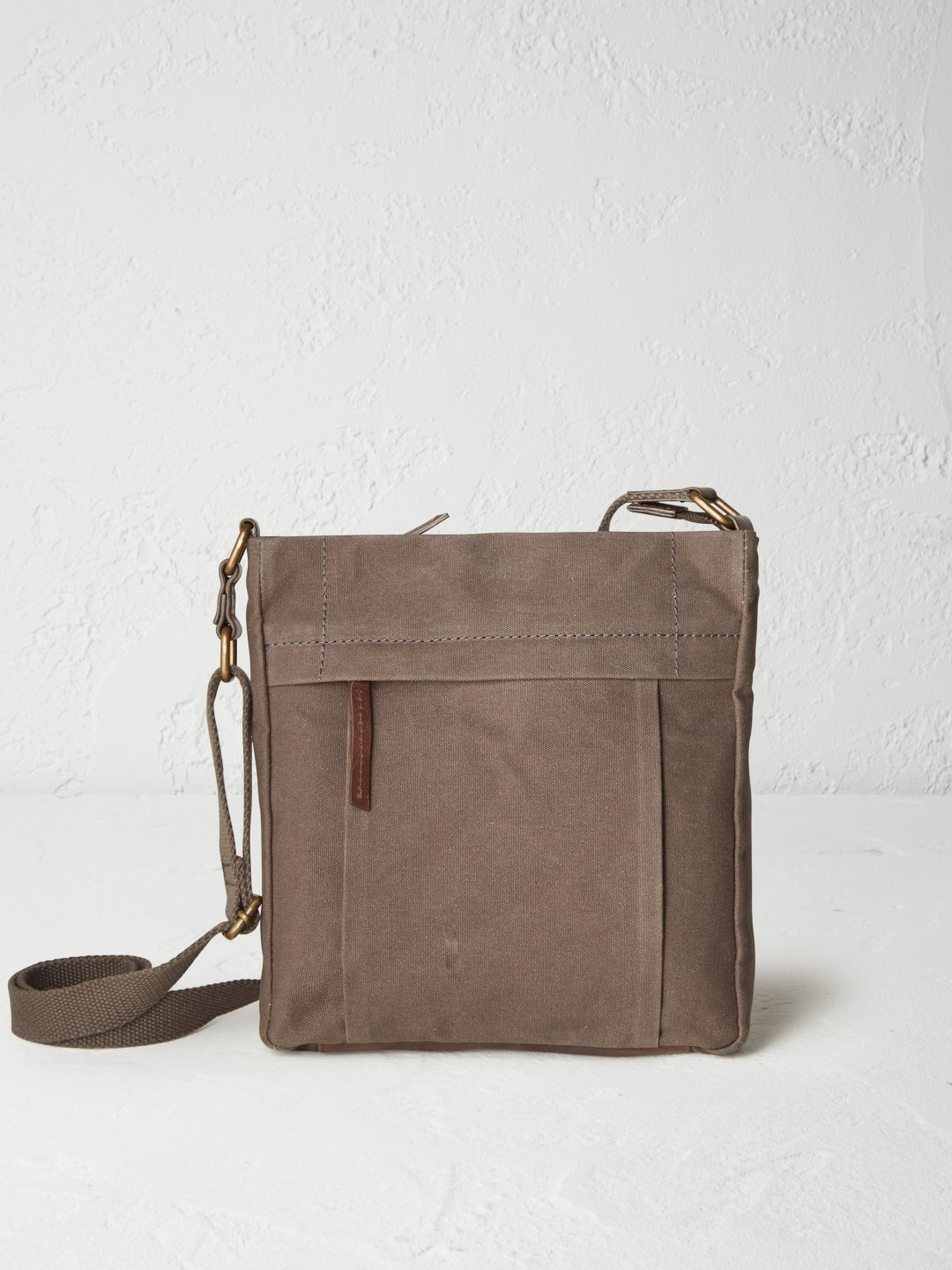 Adam canvas crossbody